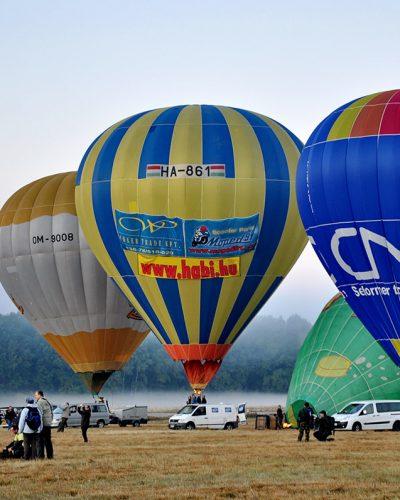 Diana Cherecheș și Kinga Kalmar - Maramures Balloon Fiesta 2011 (14)